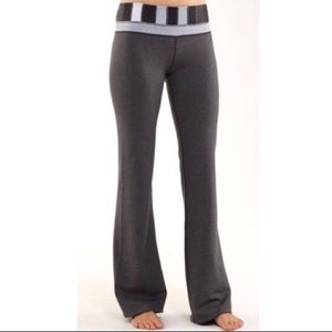 Lululemon Flare Yoga Pants *GREAT CONDITION*